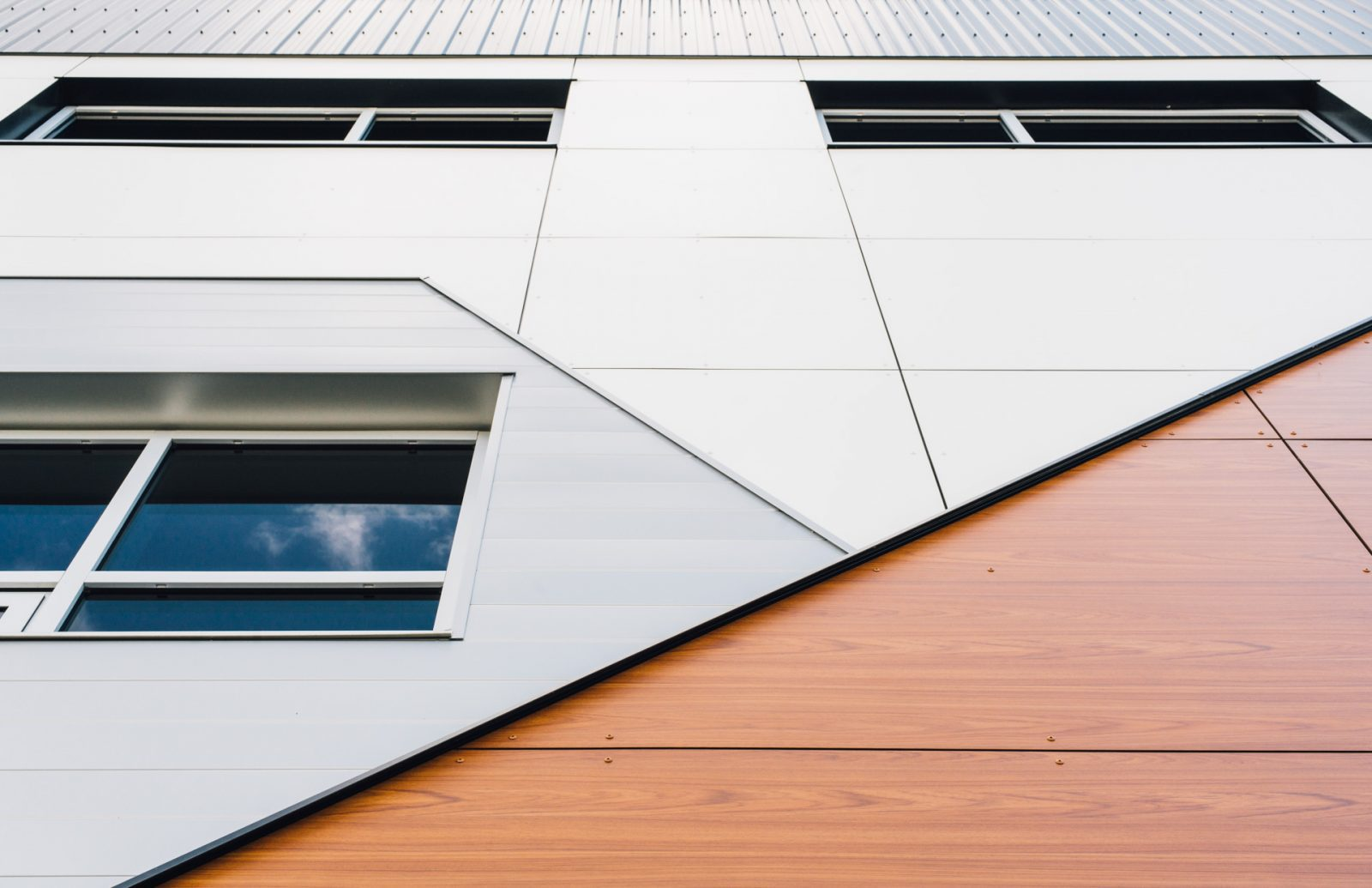 Wood Composite / Phenolic Resin Panel with metal cladding
